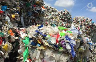 Anlagenbau - LVP - Leichtverpackungen Recycling - Separierte, gepresste Kunststoffe