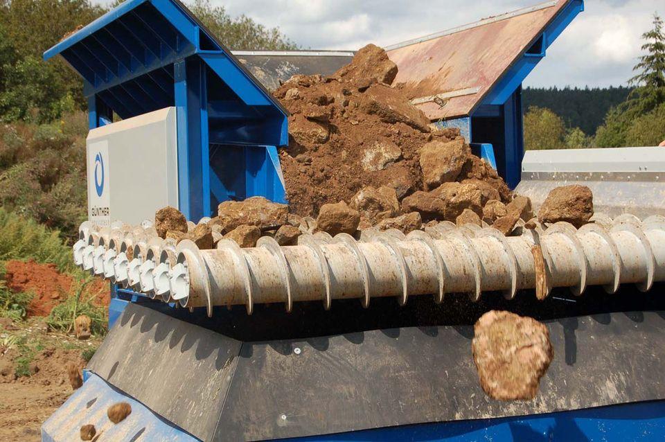 SPLITTER in der Anwendung: Bodenaufbereitung - Steine und Erden