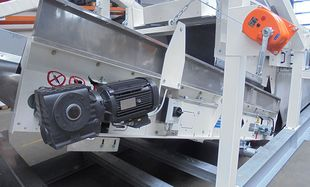 Conveyor belt drive motor