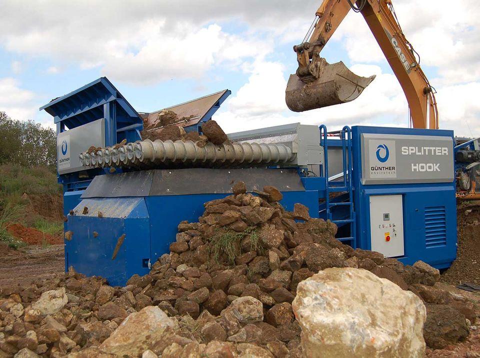 SPLITTER in der Anwendung: Bodenaufbereitung - Steine und Erden - Erdaushub