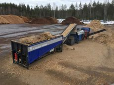 Mobile waste wood processing with TAKER HOOK and HOOK-mobile NFM separator