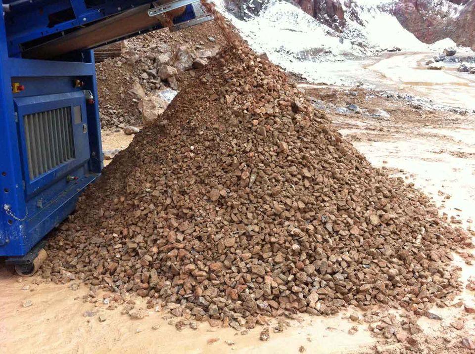 SPLITTER in der Anwendung: Bodenaufbereitung - Steine und Erden - Unterkorn