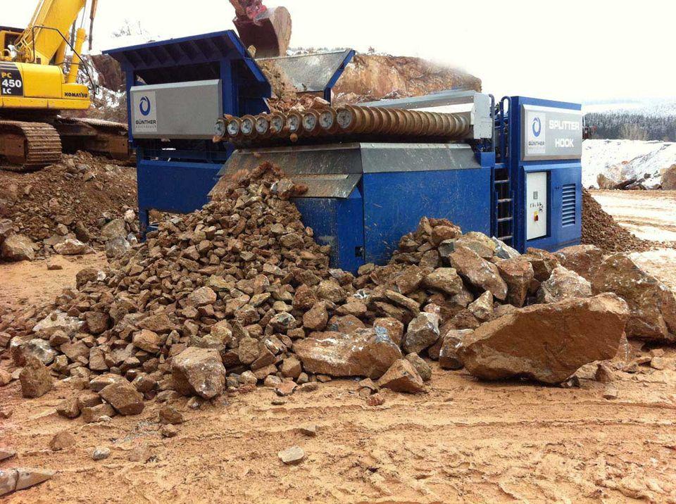 SPLITTER in der Anwendung: Bodenaufbereitung - Steine und Erden - Überkorn