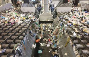 Aufbereitungstechnik - Leichtverpackungen Recycling - Doppeltes SPLITTER-Siebdeck