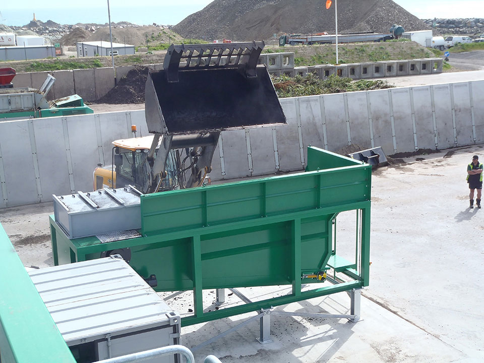 TAKER TL-12 – separation of compost