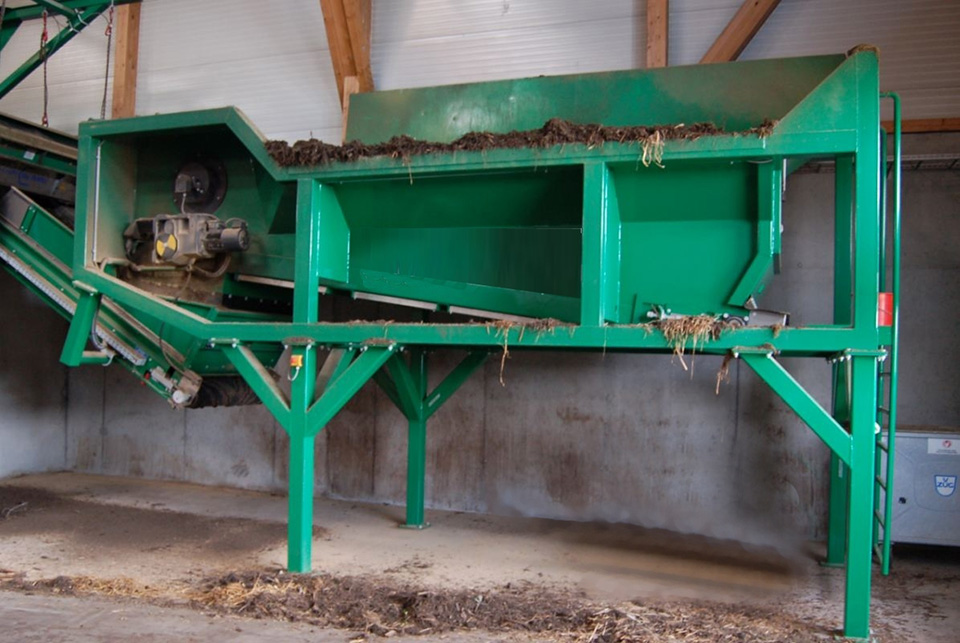 TAKER TL-12 – separation of compost and biomass